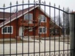 Общие требования по постройке забора из сетки рабицы