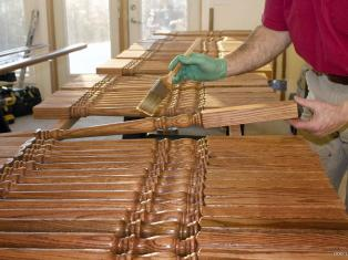Виды защитных и декоративных покрытий для покрытий для древесины. Некоторые способы нанесения.